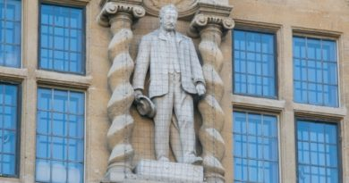 Oxford decides against removing controversial statue of Cecil Rhodes